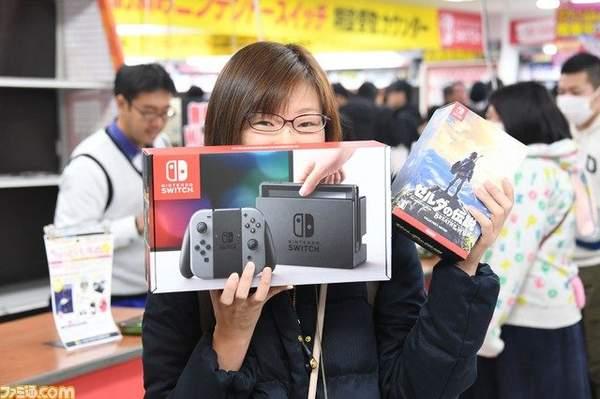 Switch去年在日本销量近600万占日本主机销量的87% PS454.3万台排第二