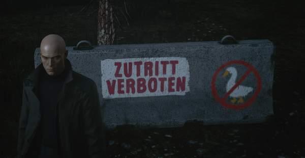 """《杀手3》藏有《无题大鹅模拟》彩蛋 """"禁止捣蛋鹅闯入""""警示标语"""